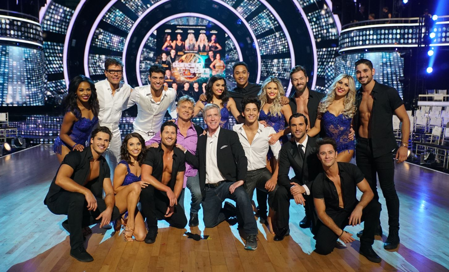 DWTS Celeb Group Photo 18 19 (002).JPG